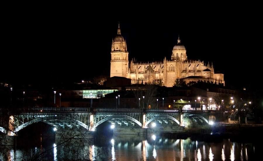 Salamanca nocturna: ¡Descubre las mejores vistas de la ciudad!