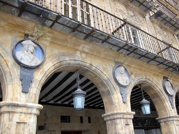 medallones de la Plaza Mayor de Salamanca