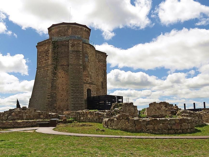 El Castillo de Alba de Tormes: símbolo del origen de la Casa de Alba