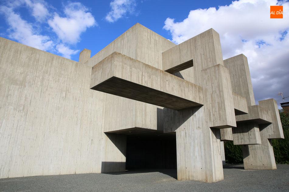 Museo Ángel Mateos, esculturas en hormigón